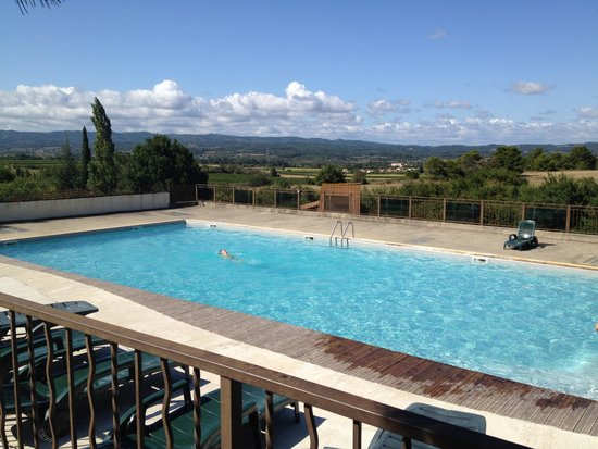 Camping de la Commanderie : Amazing views from the pool