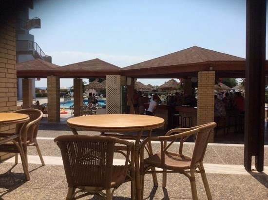 Blue Sea Beach Resort: view from pool bar