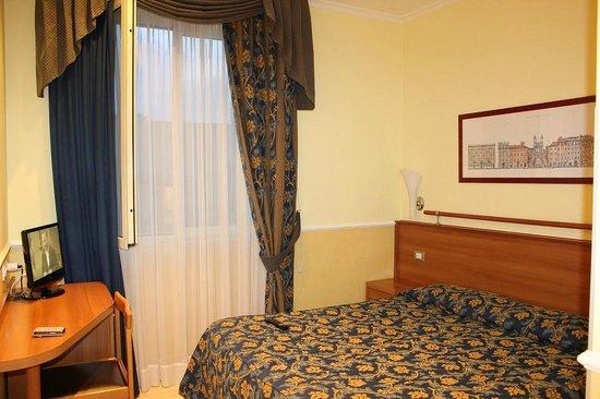 Windrose Hotel: комната