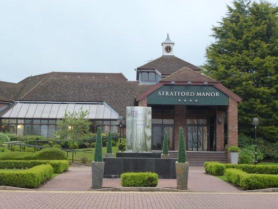 Stratford Manor Hotel: 外観