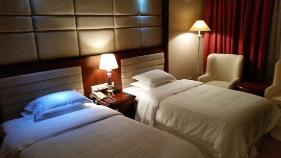 Sheraton Guilin Hotel : уютные номера