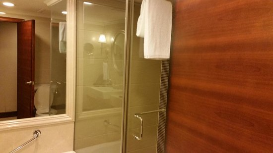 Sheraton Guilin Hotel: душ
