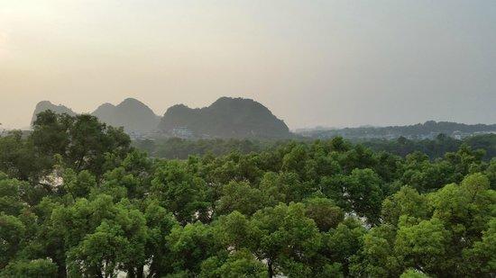 Sheraton Guilin Hotel: вид из окна