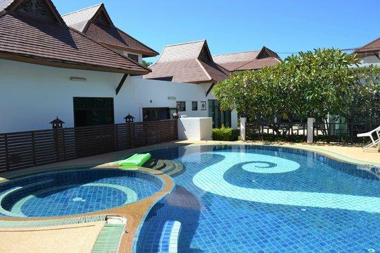 Samui Home and Resort: Swimming pool