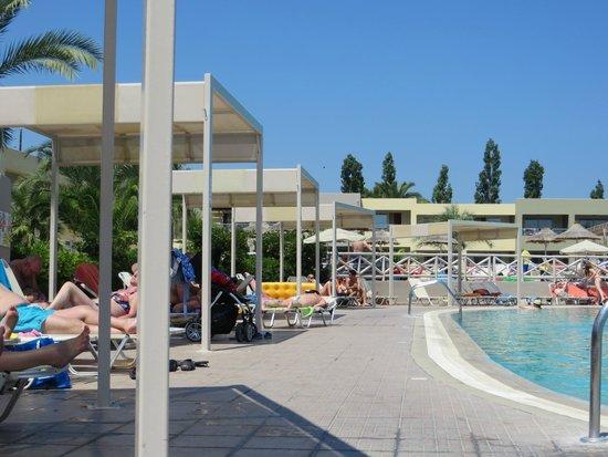 Kipriotis Maris: piscine du maris