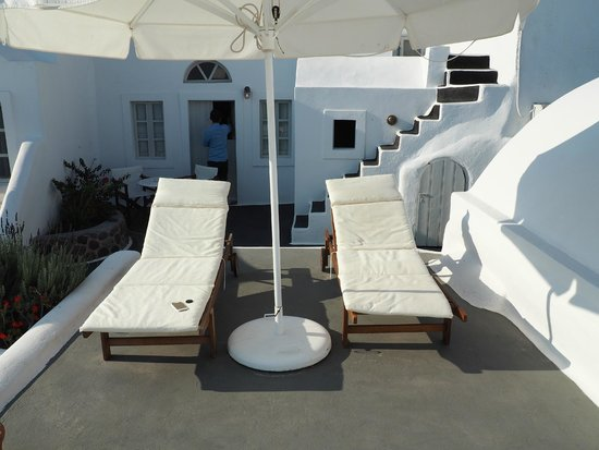 Nostos Apartments: Balcony