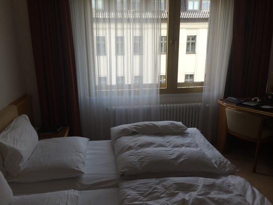 Kempinski Hotel Bristol: classic room