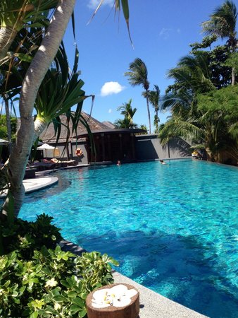 Deva Samui Resort & Spa: la piscina davanti al mare
