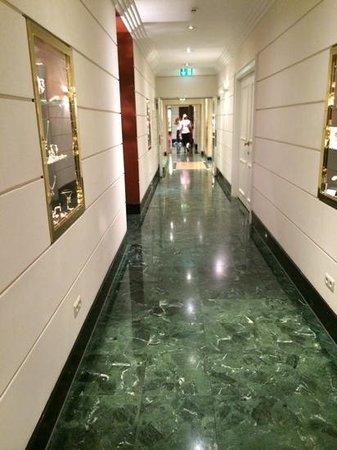 Kempinski Hotel Bristol: hotel kempinski