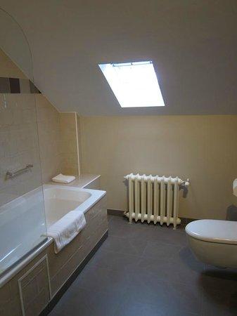 Made in Louise : Spacious bathroom