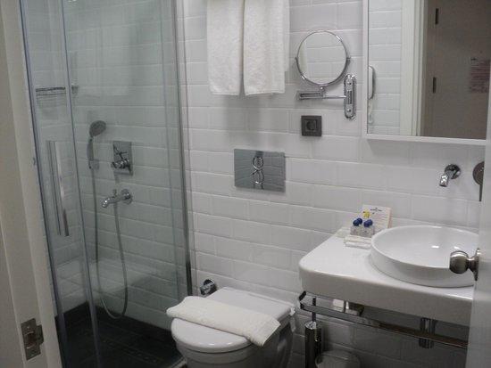 Poseidon Hotel : Łazienka, fajny prysznic