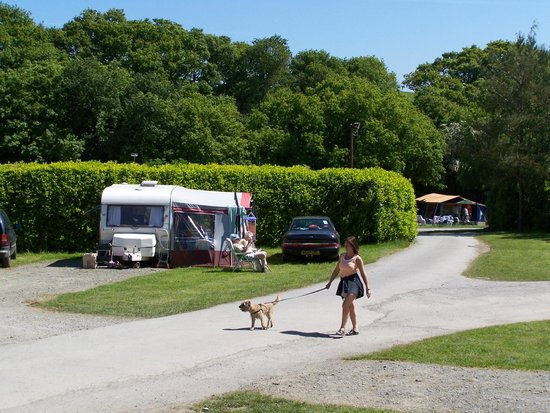 Conwy  Holiday Park: Stroll through the park