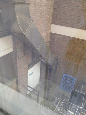 Crowne Plaza London-Gatwick Airport: view from the window