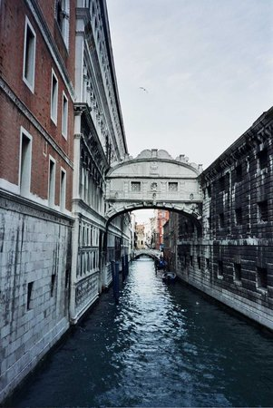 Puente de los Suspiros: Bridge of Sighs - Venice