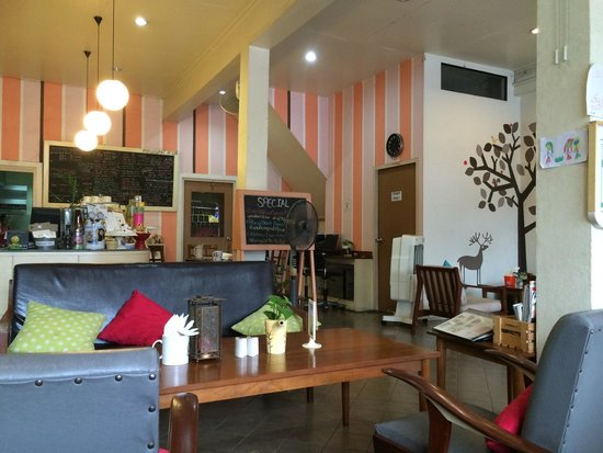 Connect Cafe: Interno del locale
