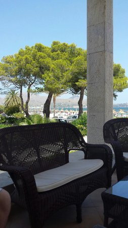 Hoposa Pollentia Hotel: Terrace at front of hotel