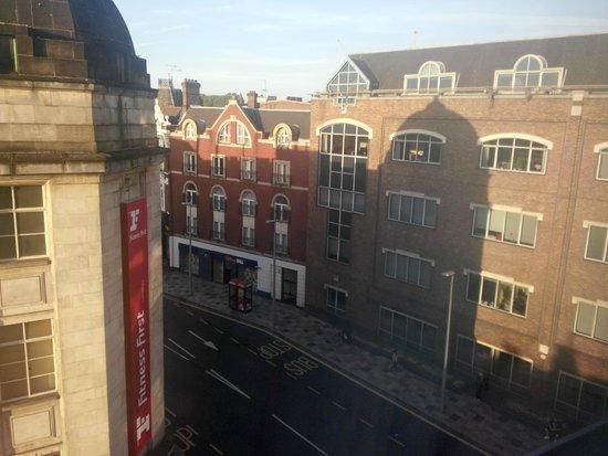Travelodge London Clapham Junction Hotel Dalla Finestra Di Giorno