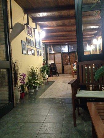Ristorante Da Pasqualino: Veranda
