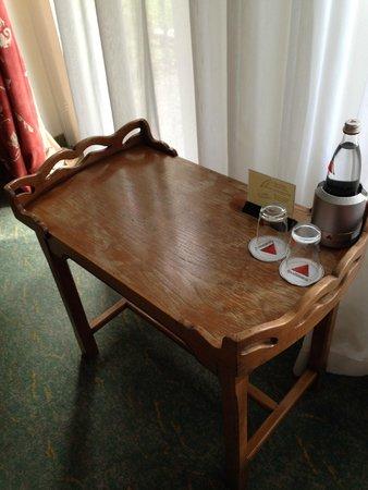 Romantik Hotel Landschloss Fasanerie : altbackenes Mobiliar