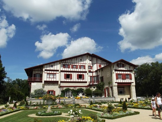 Villa Arnaga : Inspiration des fermes traditionnelles basques