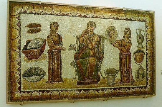 Musée National du Bardo : Museo Bardo: Tunisi: Tunisia: matrona romana con ancelle