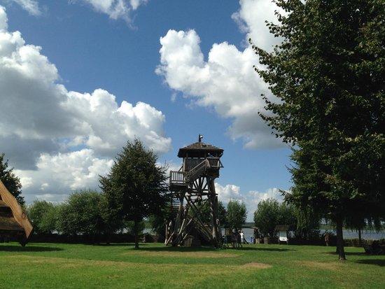 Slawendorf: Wachturm begehbar