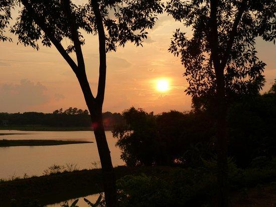 Moon Garden Homestay: sunset at moongarden