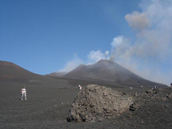 Club Cala Regina: etna en eruption 14/08/14