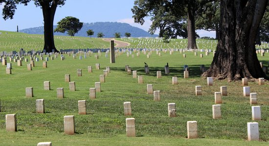 Chattanooga National Cemetery: Civil War graves with Lookout Mountain in the Background