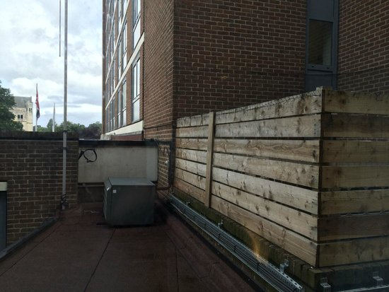 Park Inn by Radisson York: Great view of the air con condensers