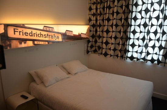 Hotel Gat Point Charlie: Camera da letto