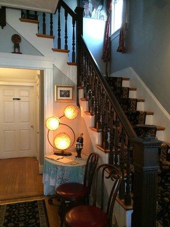 Landmark: Entry foyer. Pretty.