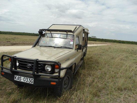Oloshaiki Camp : Unser Safari-Fahrzeug mit William als Fahrer und Guide