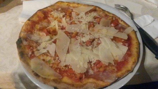 """La Perla: Pizza """"Speck"""""""