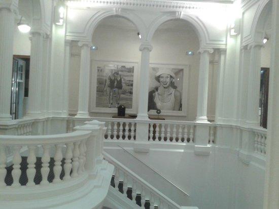 Hotel Granvia : l'escalier monumental