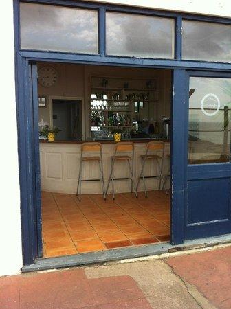Mermaids Cafe Bar: a nice spot for a sundowner