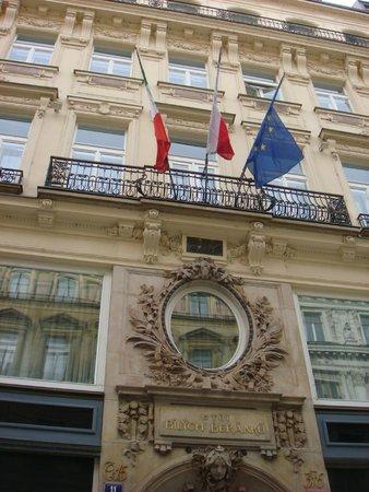 Hotel Liberty: Fasada budynku zachowuje własciwy klimat