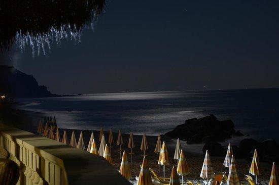 Hotel Resort Rocca di Vadaro: Notturna