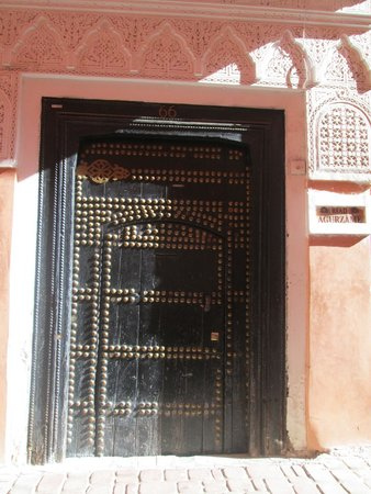 Riad Aguerzame: The front door