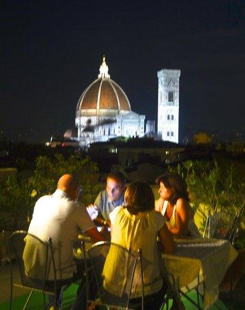 Kathedrale Santa Maria del Fiore: The Duomo at night, breathtaking!
