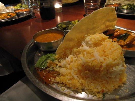 Masala Zone Islington: Nice novel presentation of food as a Thali
