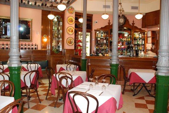 Museo del Vino: interior y barra