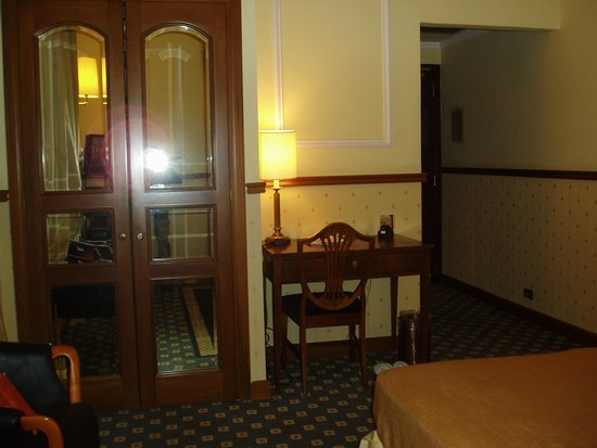 Hotel Savoy : 余裕のある広さ