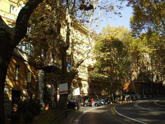 Hotel Savoy: ホテル近くのヴェネト通りの風景
