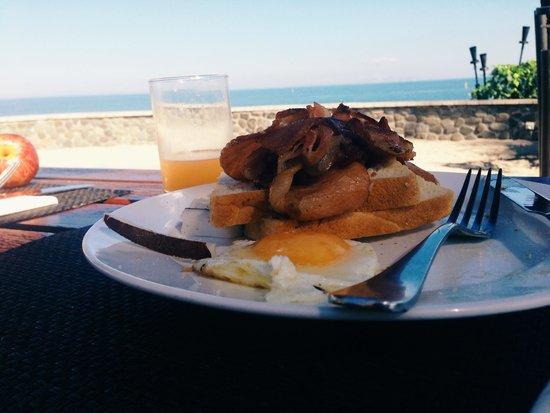 Radisson Blu Resort Fiji Denarau Island: Buffet Breakfast at Blu