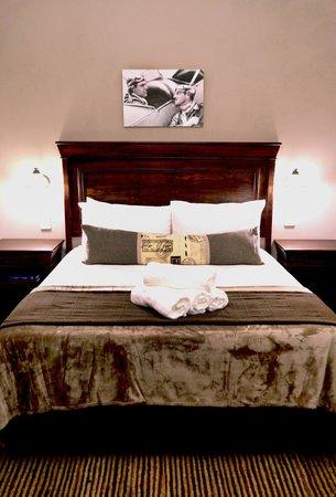 Barnstormers Rest: All rooms are elegantly designed and kept crisp clean. Room 6