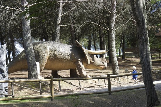 Parco Preistorico: un dinosauro nel parco