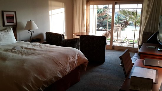 BEST WESTERN PLUS Cavalier Oceanfront Resort: Room