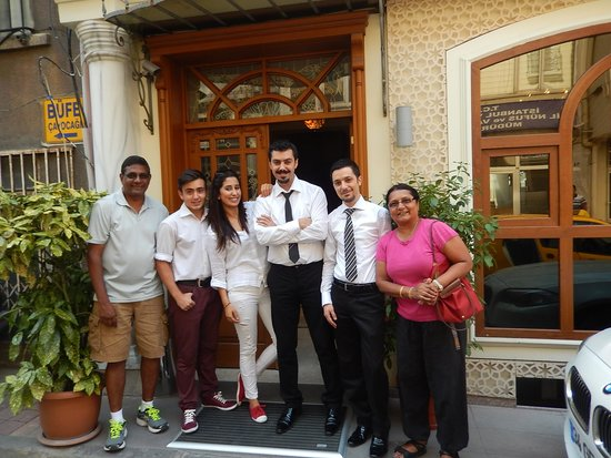 Muyan Suites: staff with us
