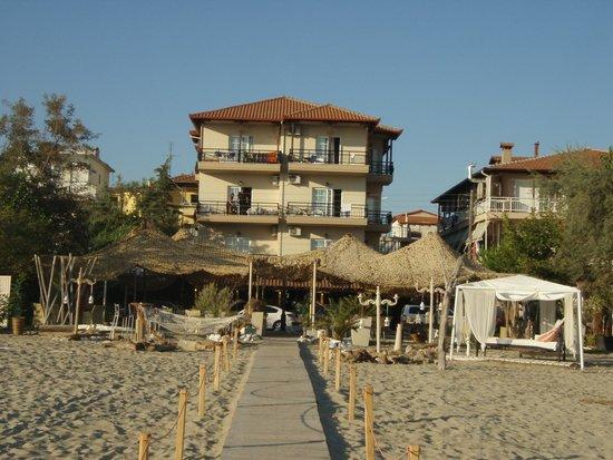 Neoi Poroi, Grækenland: Hotel IRO